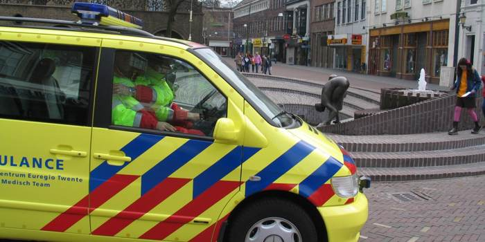aangereden door politieauto aanrijding ambulance